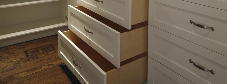 Aegumatu garderoob